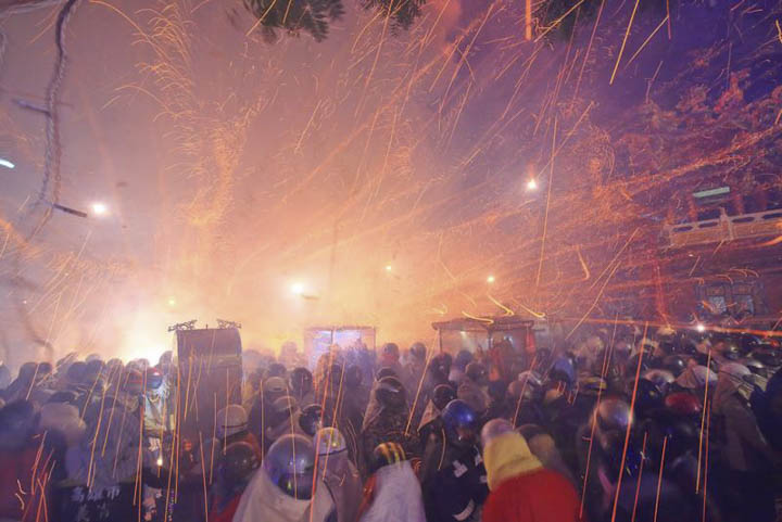 Lunar New Year Festivals in Taiwan 2020: Yanshui Beehive Fireworks Festival in Tainan City (Feb 7 & 8, 2020)